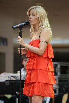Paula Toller